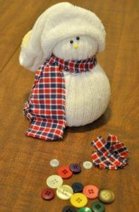 Игрушка на новый год. Снеговик своими руками ( 10 )