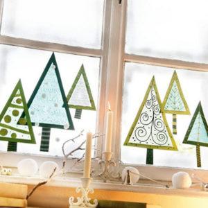 Декорации окон. Новогодние игрушки на окна (5)