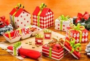 Идеи упаковки подарков. Как красиво подарить игрушку (17)