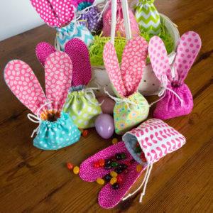 Идеи упаковки подарков. Как красиво подарить игрушку (18)