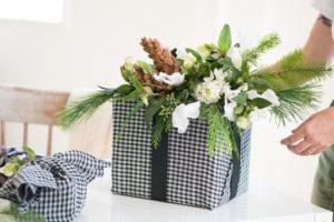 Идеи упаковки подарков. Как красиво подарить игрушку (35)