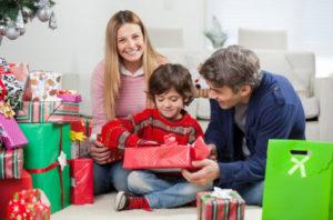 Идеи упаковки подарков. Как красиво подарить игрушку (42)