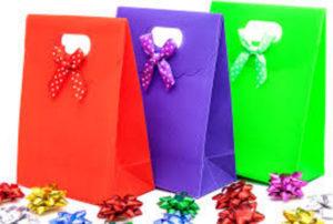 Идеи упаковки подарков. Как красиво подарить игрушку (51)