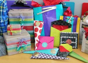 Идеи упаковки подарков. Как красиво подарить игрушку (58)