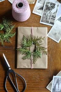 Идеи упаковки подарков. Как красиво подарить игрушку (62)