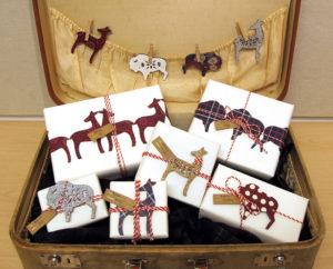 Идеи упаковки подарков. Как красиво подарить игрушку (66)