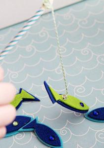 Игрушка для мальчика своими руками. Рыбалка на магнитах (19)