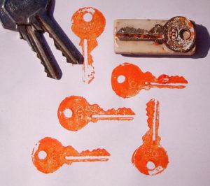 Игрушки для девочек и мальчиков. Как сделать штамп своими руками (28)
