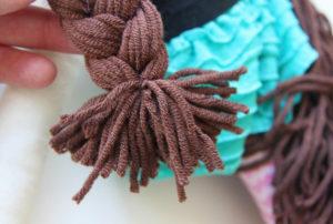 Как сделать куклу для девочки (16)