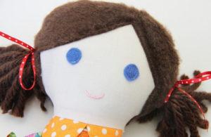 Как сделать куклу для девочки (23)