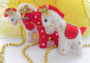 Как сшить новогодние игрушки своими руками. Простые и нужные идеи (18)