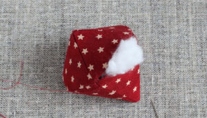 Как сшить новогодние игрушки своими руками. Простые и нужные идеи (32)