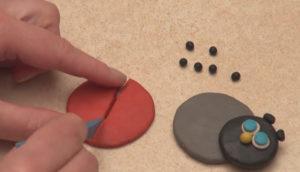 Лепка игрушек из пластилина. Как сделать божью коровку своими руками (11)