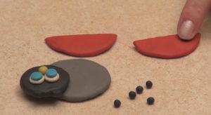 Лепка игрушек из пластилина. Как сделать божью коровку своими руками (13)
