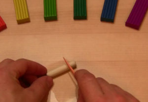 Лепка игрушек из пластилина. Мухомор своими руками (14)