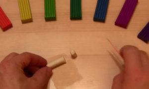 Лепка игрушек из пластилина. Мухомор своими руками (15)