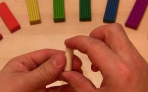 Лепка игрушек из пластилина. Мухомор своими руками (17)