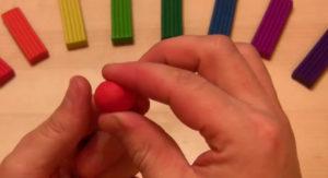 Лепка игрушек из пластилина. Мухомор своими руками (23)