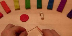 Лепка игрушек из пластилина. Мухомор своими руками (26)