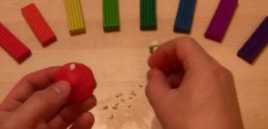 Лепка игрушек из пластилина. Мухомор своими руками (30)