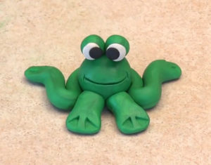 Лепка игрушек из пластилина. Сделать лягушку своими руками (21)