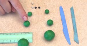 Лепка игрушек из пластилина. Сделать лягушку своими руками (23)