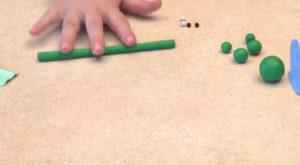 Лепка игрушек из пластилина. Сделать лягушку своими руками (27)