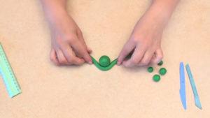 Лепка игрушек из пластилина. Сделать лягушку своими руками (30)