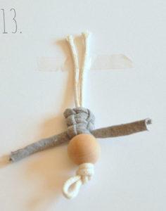 Маленькие куколки для девочек. Плетение из веревки своими руками (14)