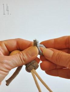 Маленькие куколки для девочек. Плетение из веревки своими руками (15)