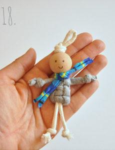 Маленькие куколки для девочек. Плетение из веревки своими руками (19)