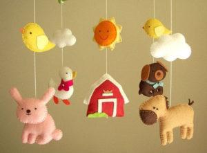 Мобиль для кроватки своими руками. Игрушки для детей от 0 до 1 года (3)