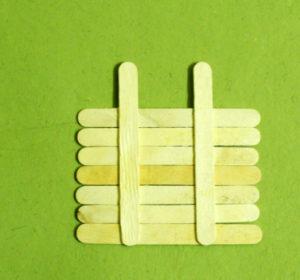 Что можно сделать из палочек от мороженого (5)