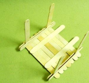 Что можно сделать из палочек от мороженого (9)