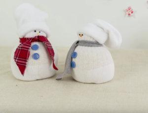 Игрушка снеговик из носка (24)