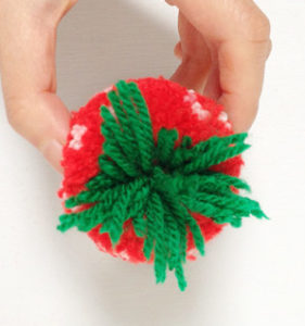 Игрушки из помпонов своими руками (34)