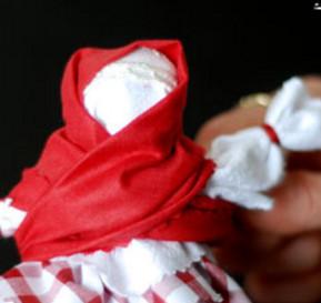 Как сделать куклу из ткани (32)