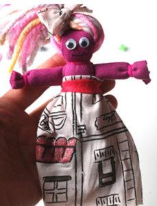 Как сделать куклу из ткани (37)