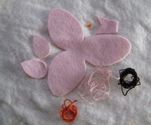 Как сделать на 8 марта подарок. Игрушки своими руками для мамы (51)