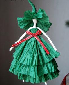 Как сделать подарок на 8 марта. Куклы из бумаги своими руками (11)