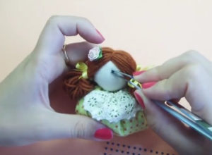 Маме на 8 марта своими руками. Кукла зерновушка (20)