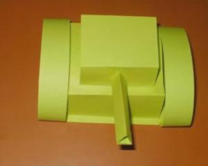 Папе на 23 февраля в детском саду. Танк из бумаги своими руками (14)