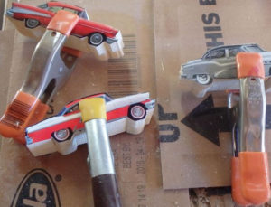 Подарки мальчикам на 23 февраля. Как сделать машину из дерева (27)