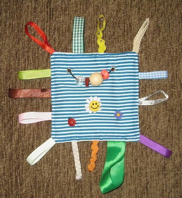 Игрушки для ребёнка до года своими руками