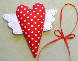 Сердечко игрушка. Подарок на 14 февраля своими руками (10)