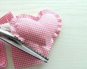 Сердечко игрушка. Подарок на 14 февраля своими руками (20)