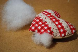 Сердечко игрушка. Подарок на 14 февраля своими руками (28)