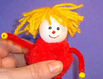Как сделать куколку совими руками .