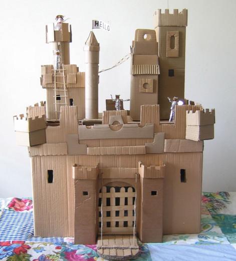 Огромный замок для ребенка своими руками
