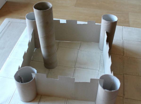 Замок из картона своими руками